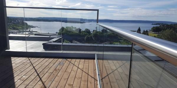 stolpefritt-glassrekkverk (10)
