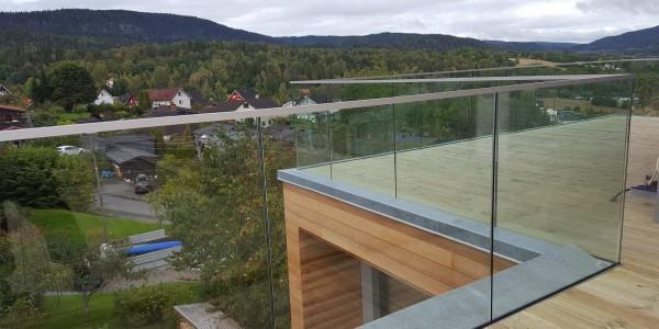 stolpefritt-glassrekkverk (12)