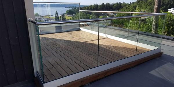stolpefritt-glassrekkverk (18)