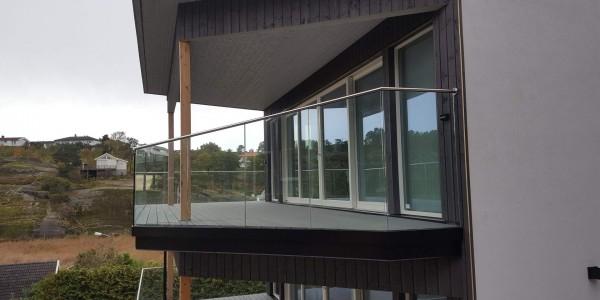 stolpefritt-glassrekkverk (30)