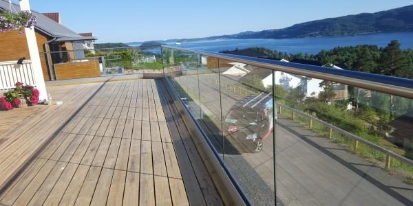 stolpefritt-glassrekkverk (36)