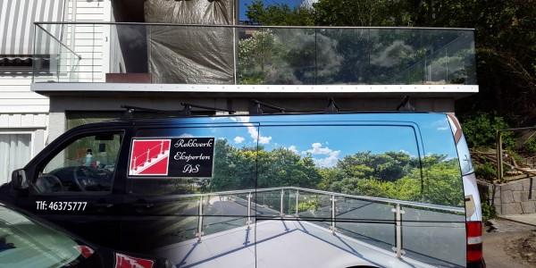 stolpefritt-glassrekkverk (41)