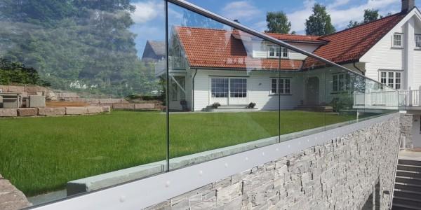 stolpefritt-glassrekkverk (5)
