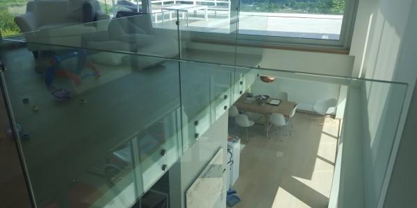 stolpefritt-glassrekkverk (54)