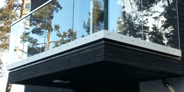 stolpefritt-glassrekkverk (55)