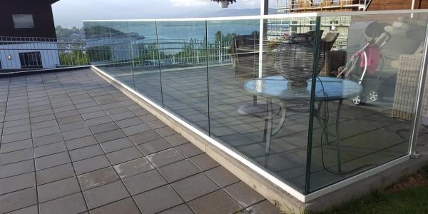 stolpefritt-glassrekkverk (61)