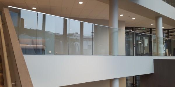 stolpefritt-glassrekkverk (7)