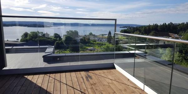 stolpefritt-glassrekkverk (9)